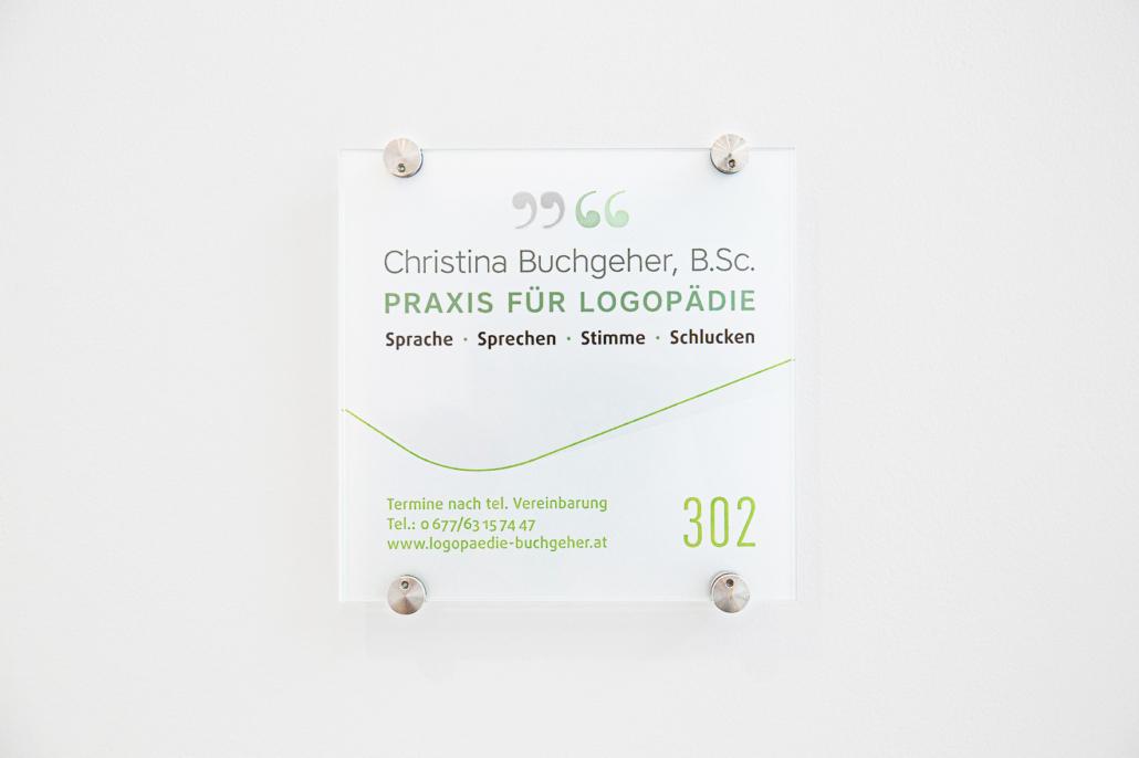 Türschild in der Praxis für Logopädie von Christina Buchgeher